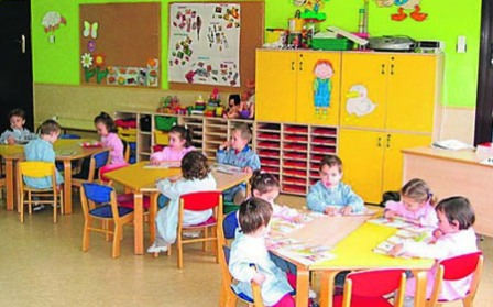 niños en actividades didacticas guarderia IMSS
