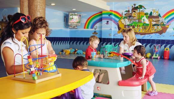niños pequeños en la guarderia IMSS
